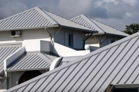 Thợ lợp lại mái tôn tại quận Bình Thạnh